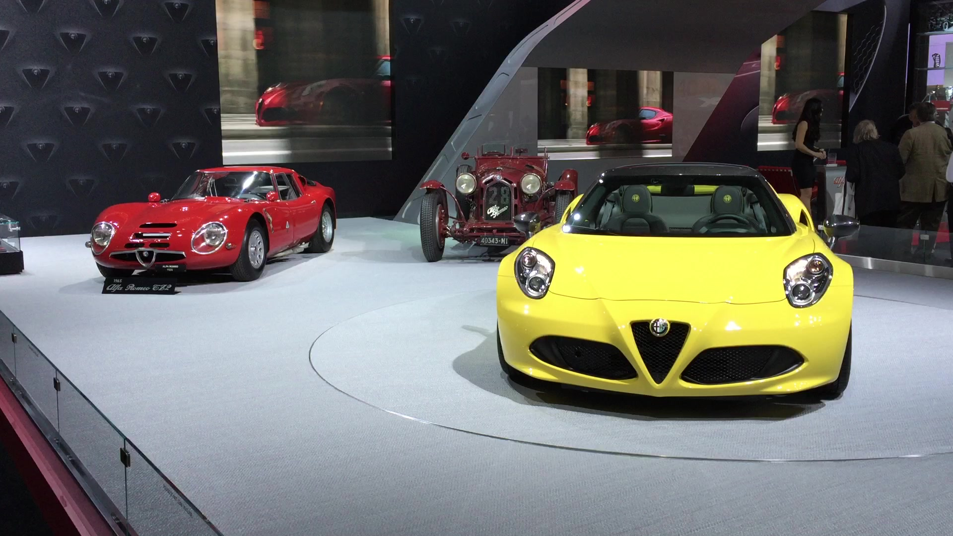 Alfa Romeo 4C Spyder With Classic Alfas | 2015 NYIAS | Autoblog Short Cuts