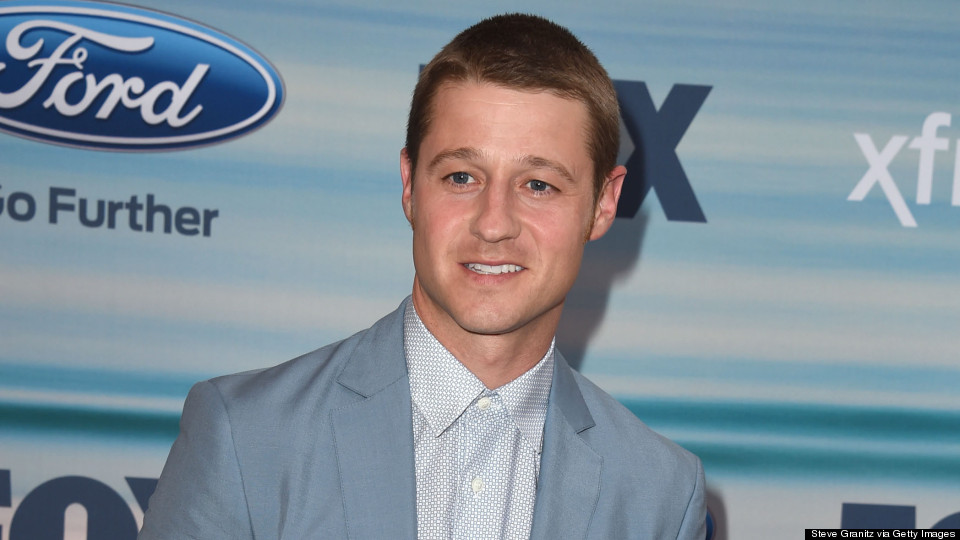Which 'O.C.' Cast Members Does Ben McKenzie Keep In Touch With?