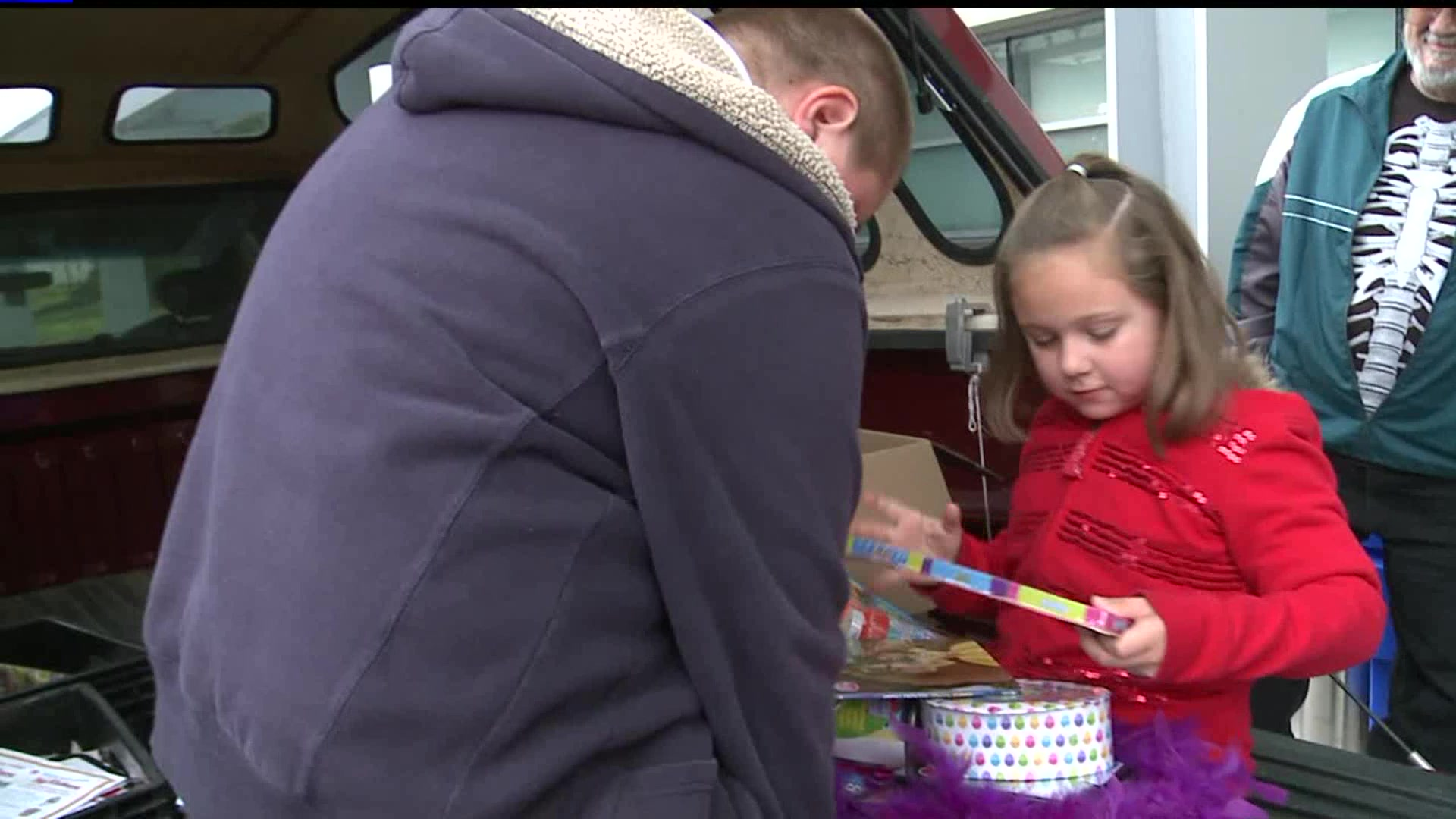 7-Year-Old Girl Gives All Her Birthday Presents To Sick Children