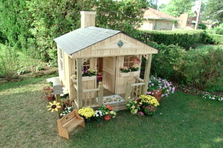 Dad Forced To Demolish The Playhouse He Built For His