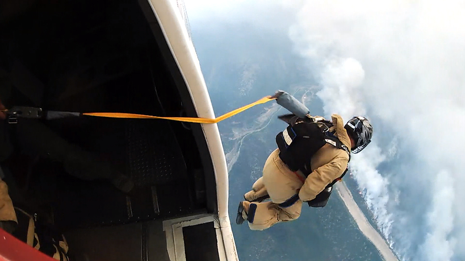 Parachuting Into a Wildfire: Yes, This Is Someone's Job
