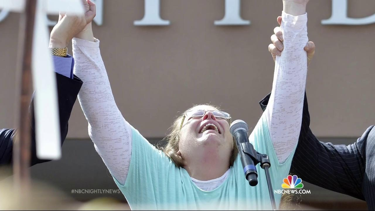 'I Want to Give God the Glory': Defiant Kentucky Clerk Freed From Jail