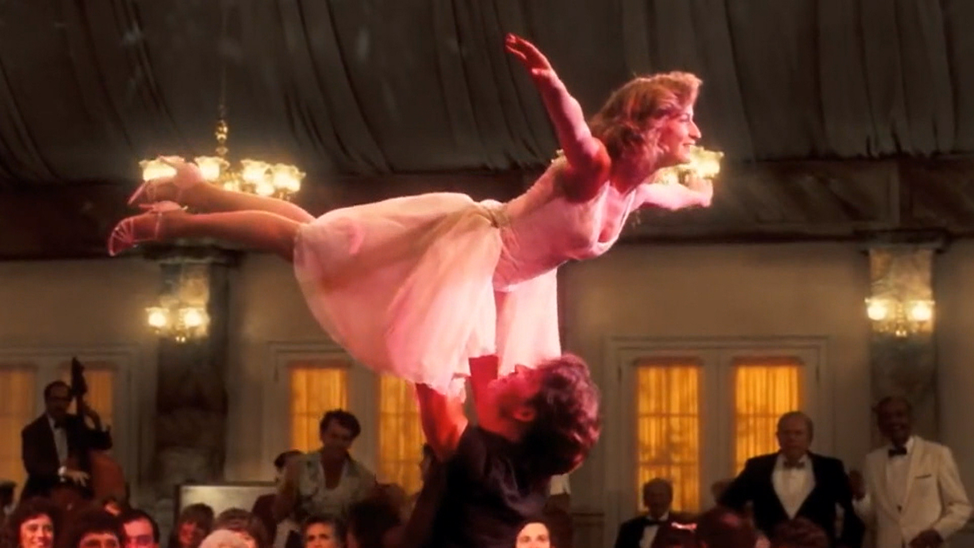 Jennifer Grey: Iconic 'Dirty Dancing' Scene Was Unrehearsed