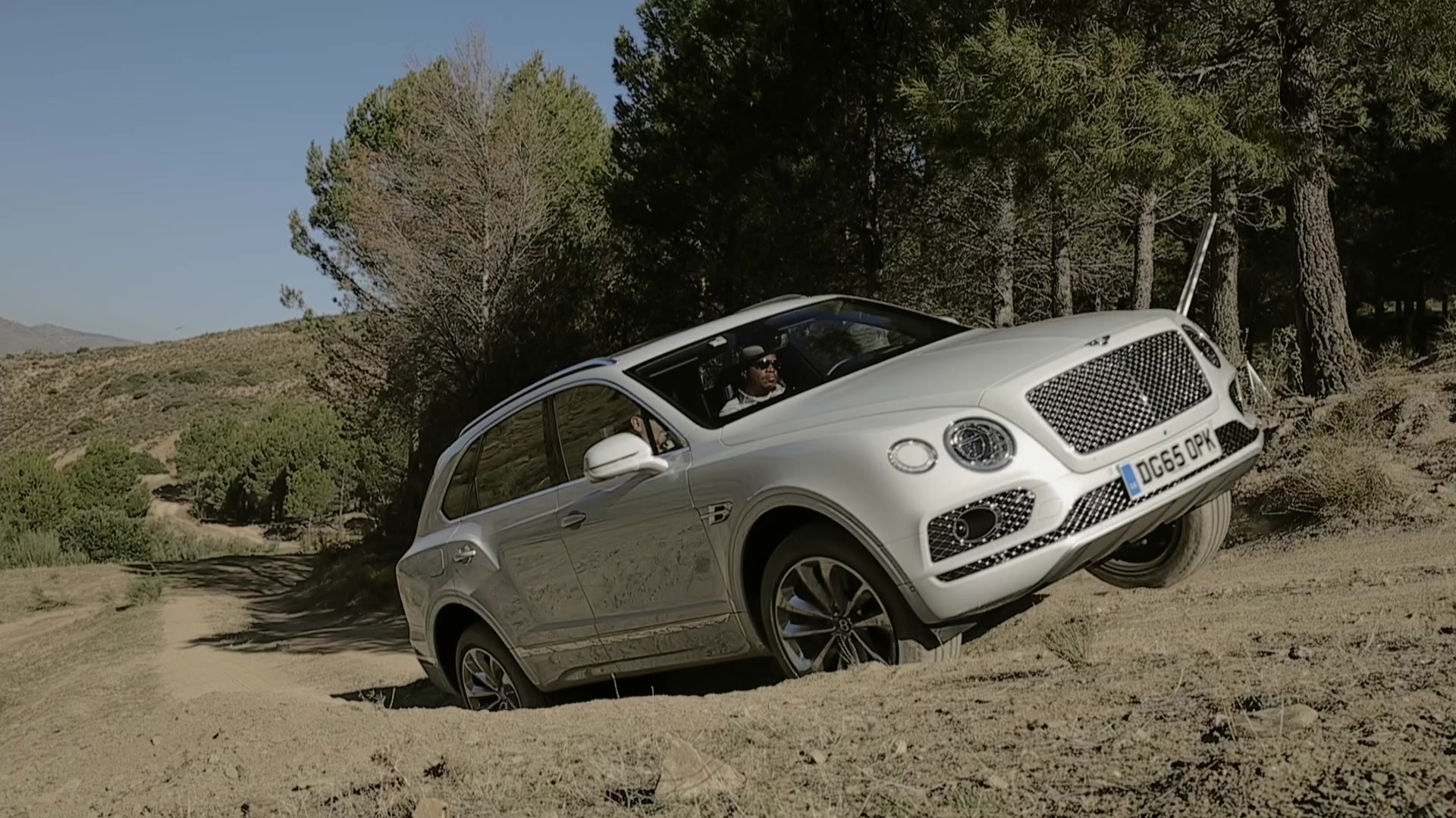 2016 Bentley Bentayga Off-Road | Autoblog Short Cuts