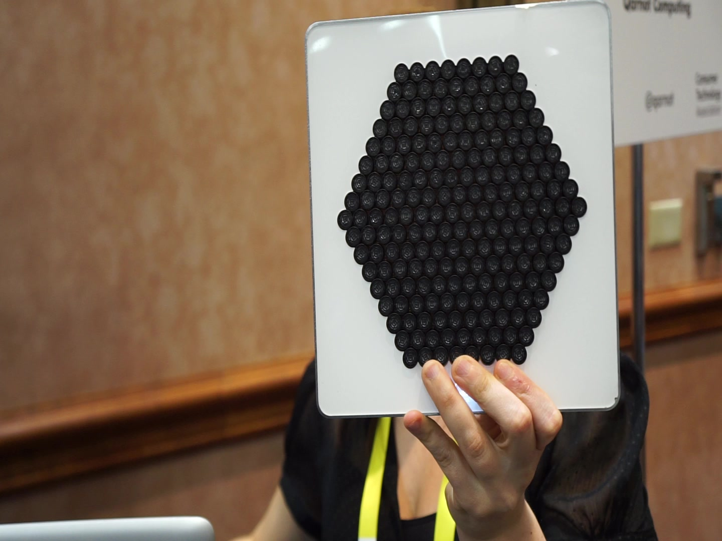 Directional Speaker from CES 2016 | Autoblog Short Cuts