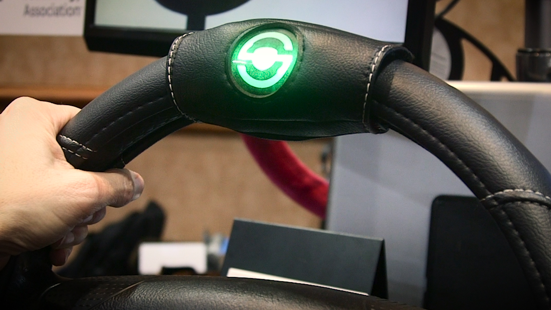 Smart Wheel Keeps Teens from Texting and Driving