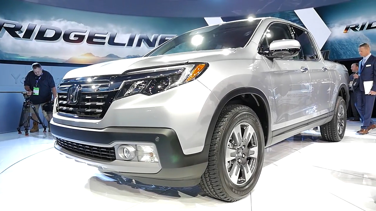 2017 Honda Ridgeline | 2016 NAIAS | Beauty-Roll