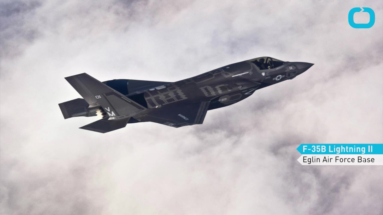 Marines Prepare a Pair of F-35s for British Air Show