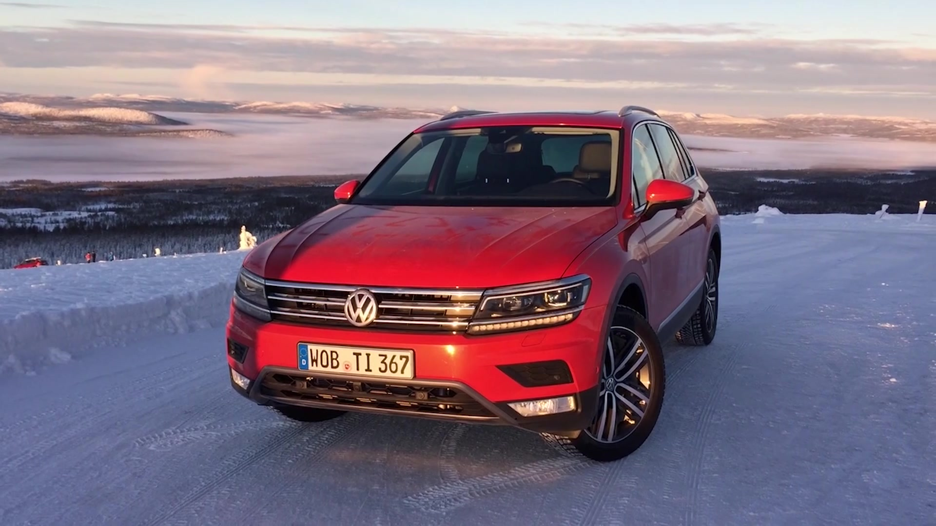 2017 Volkswagen Tiguan in Sweden | On Location
