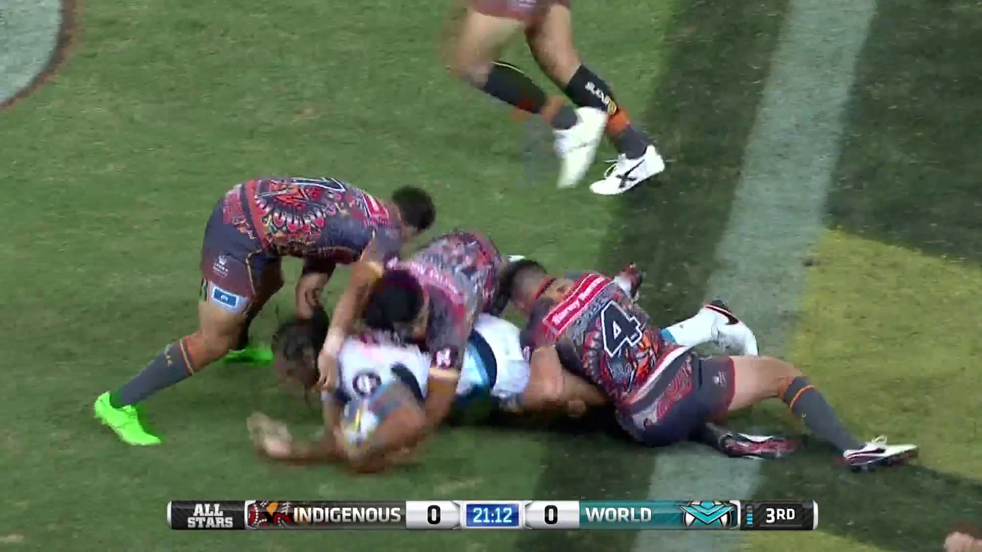 'He's Got Springs in His Palms' Huge Hand Off from Martin Taupau!