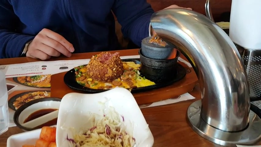 Restaurant Allows Customers to Cook Their Own Burgers