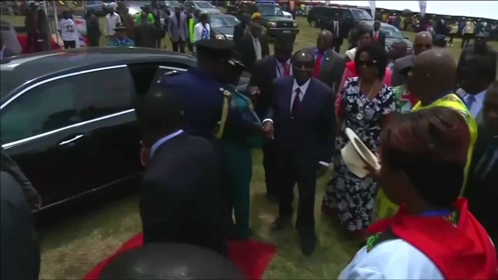 Mugabe Birthday Bash Riles Critics in Drought-Hit Zimbabwe