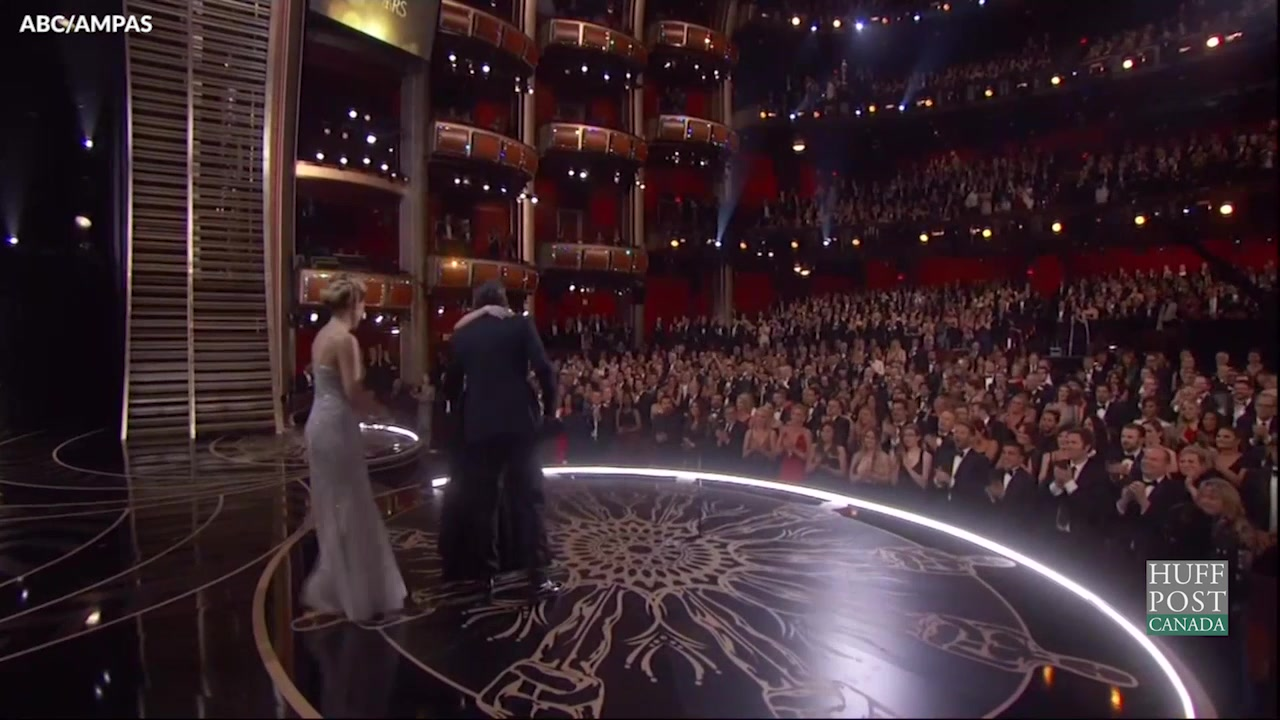DiCaprio Gets Political In Oscar Acceptance Speech