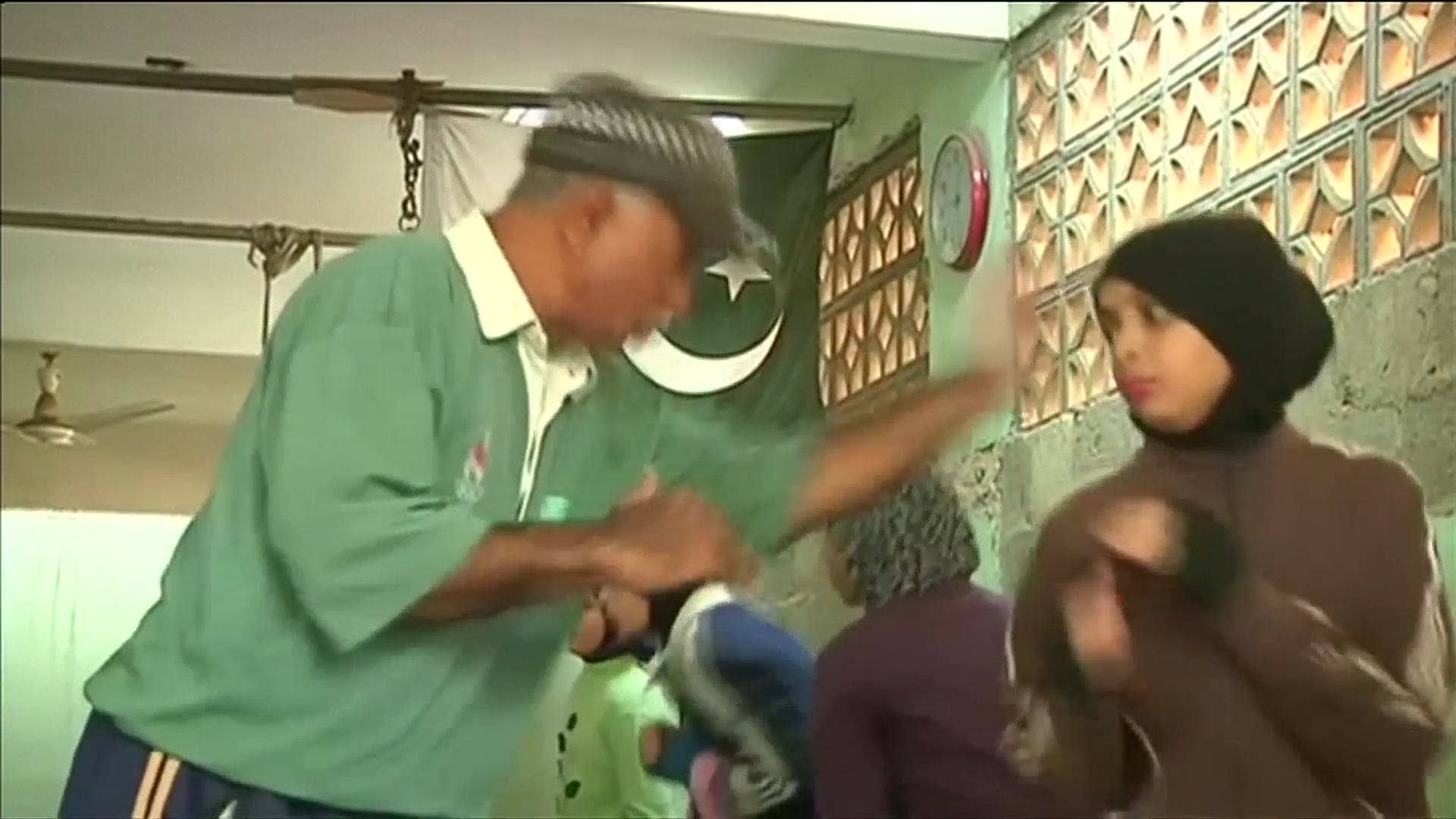 Girls Train to Box Their Way to Glory for Pakistan