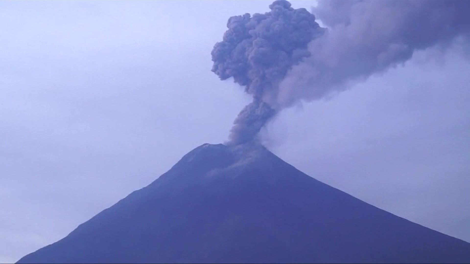 Ecuador's Tungurahua Volcano Explodes
