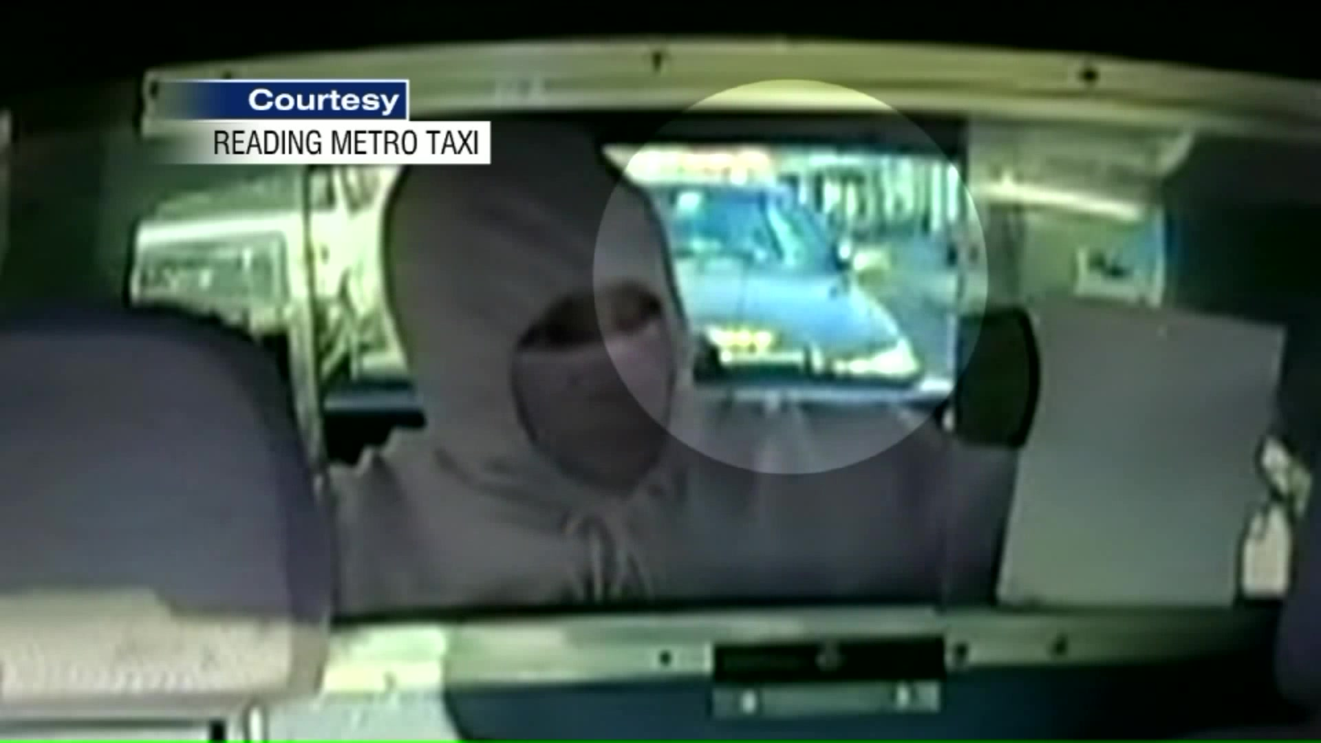 Gunman Tries to Rob Taxi Driver But Forgets to Look Behind Him