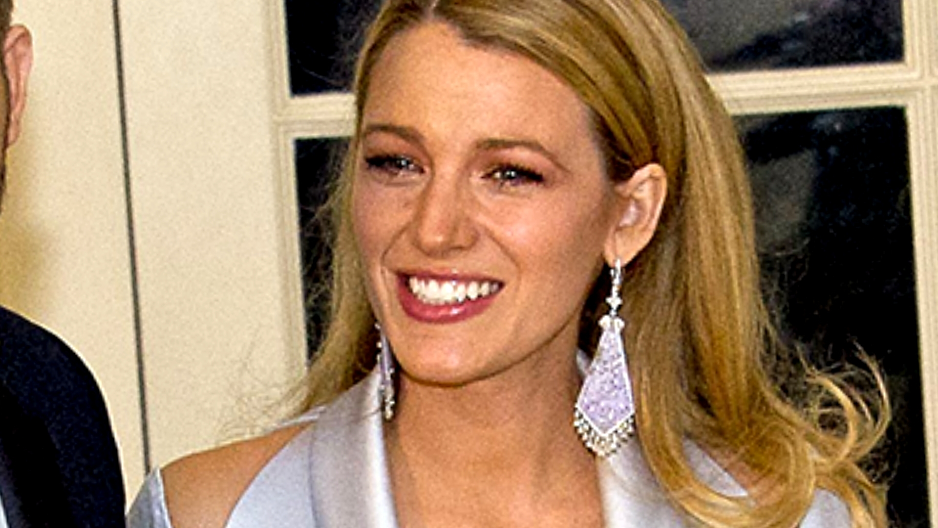 Blake Lively Suffers Wardrobe Whoops at State Dinner