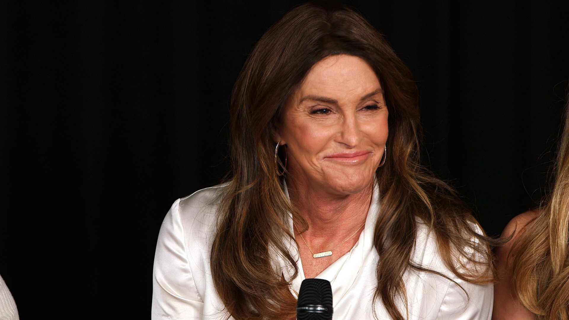 Caitlyn Jenner Responds to Posing With Hillary Clinton