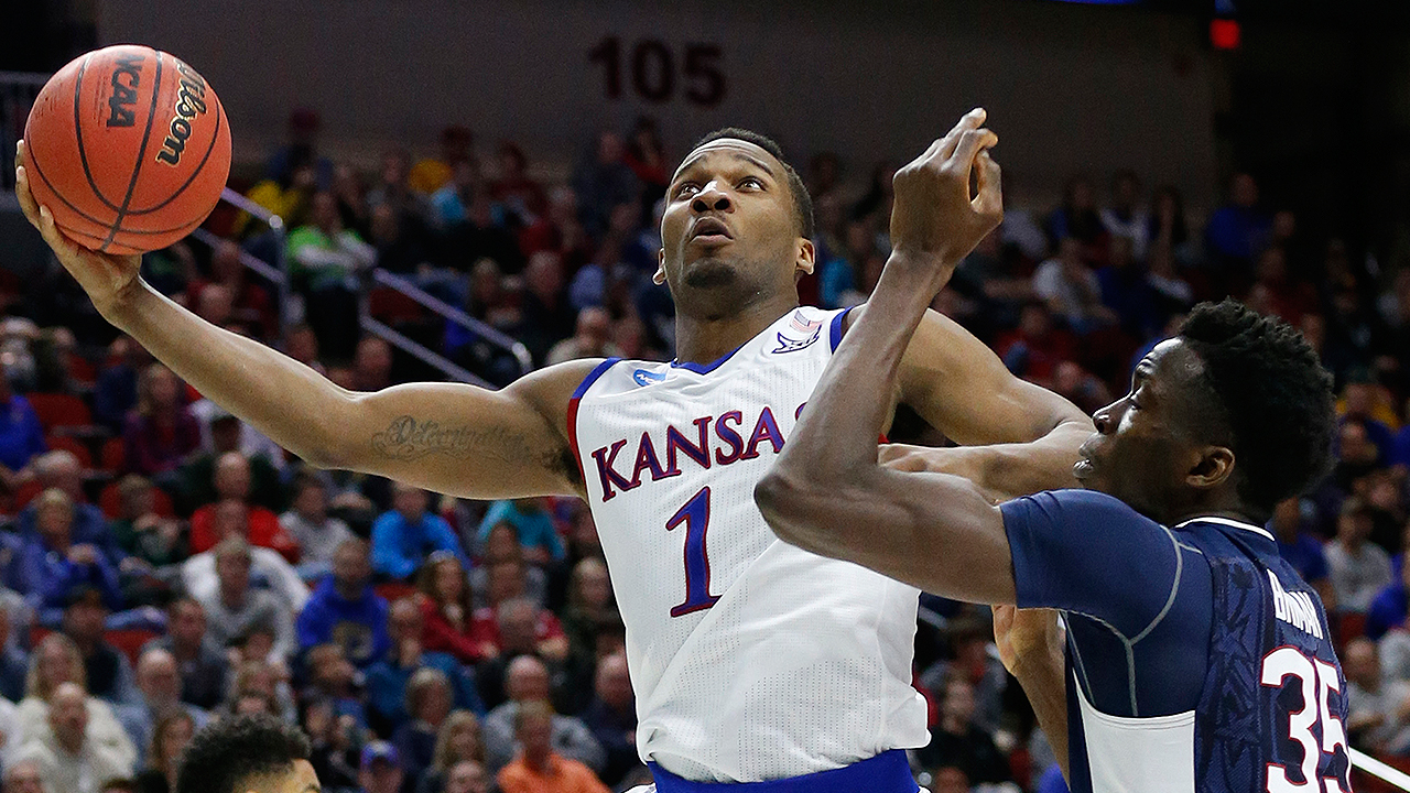 Kansas' Domination of UConn Shows That Jayhawks Are Team to Beat