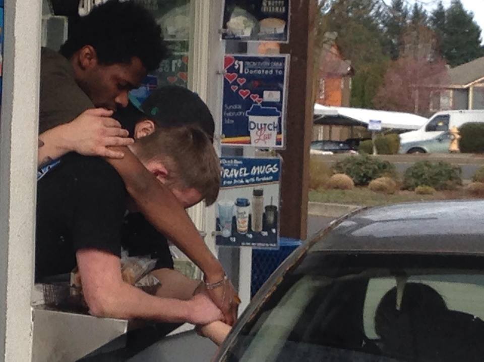 Coffee Shop Employees Pray With Grieving Widow at Drive-Thru
