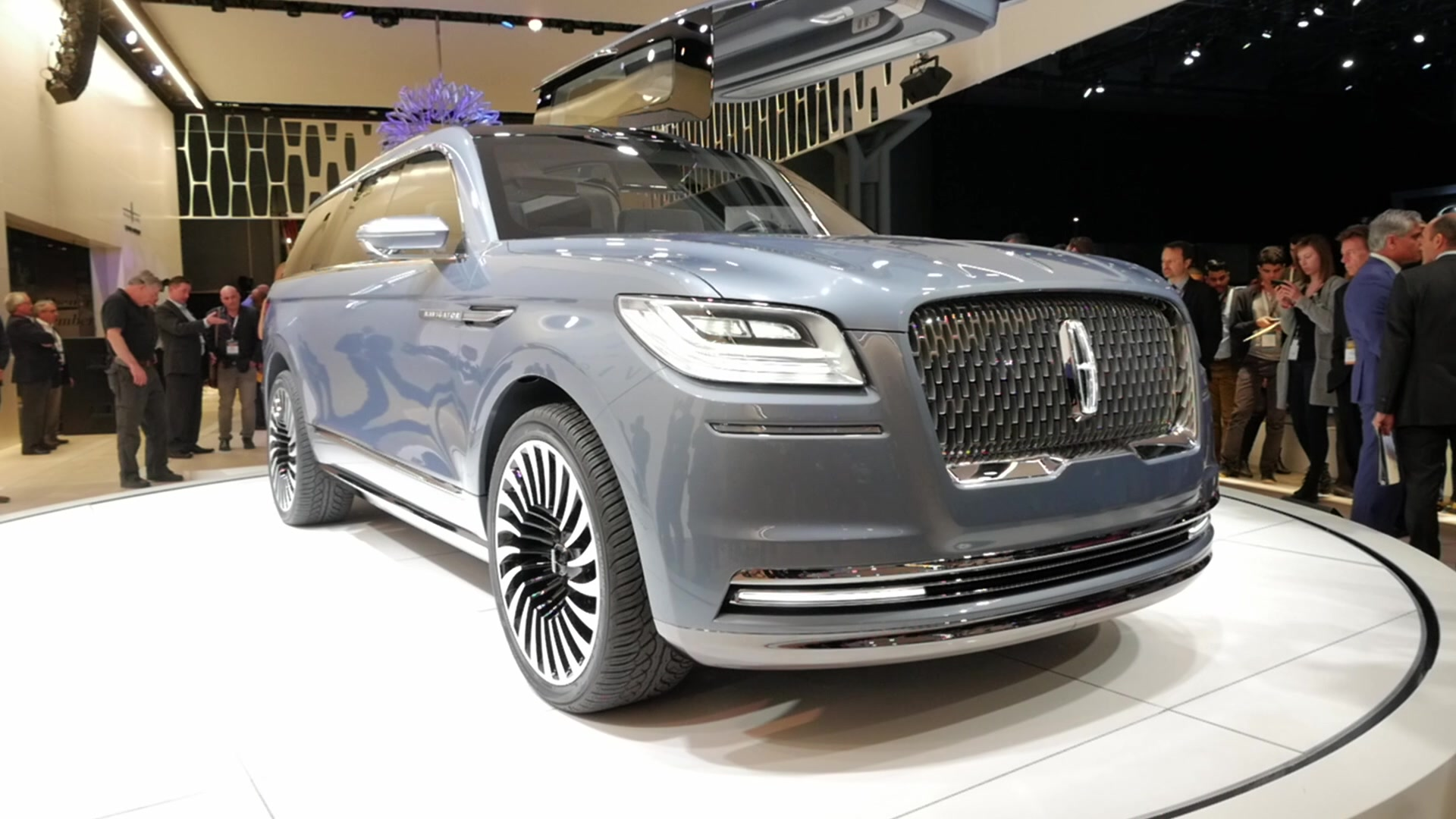 Lincoln Navigator Concept | 2016 New York Auto Show | Beauty-Roll