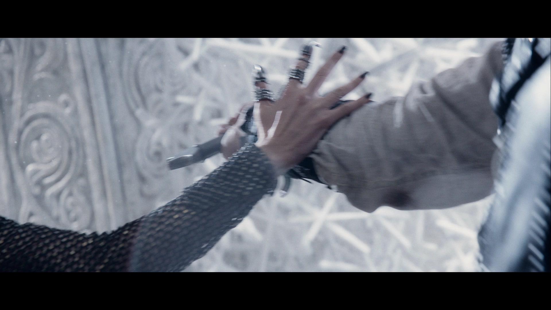 """EXCLUSIVE: Clip - """"The Huntsman: Winter's War"""""""