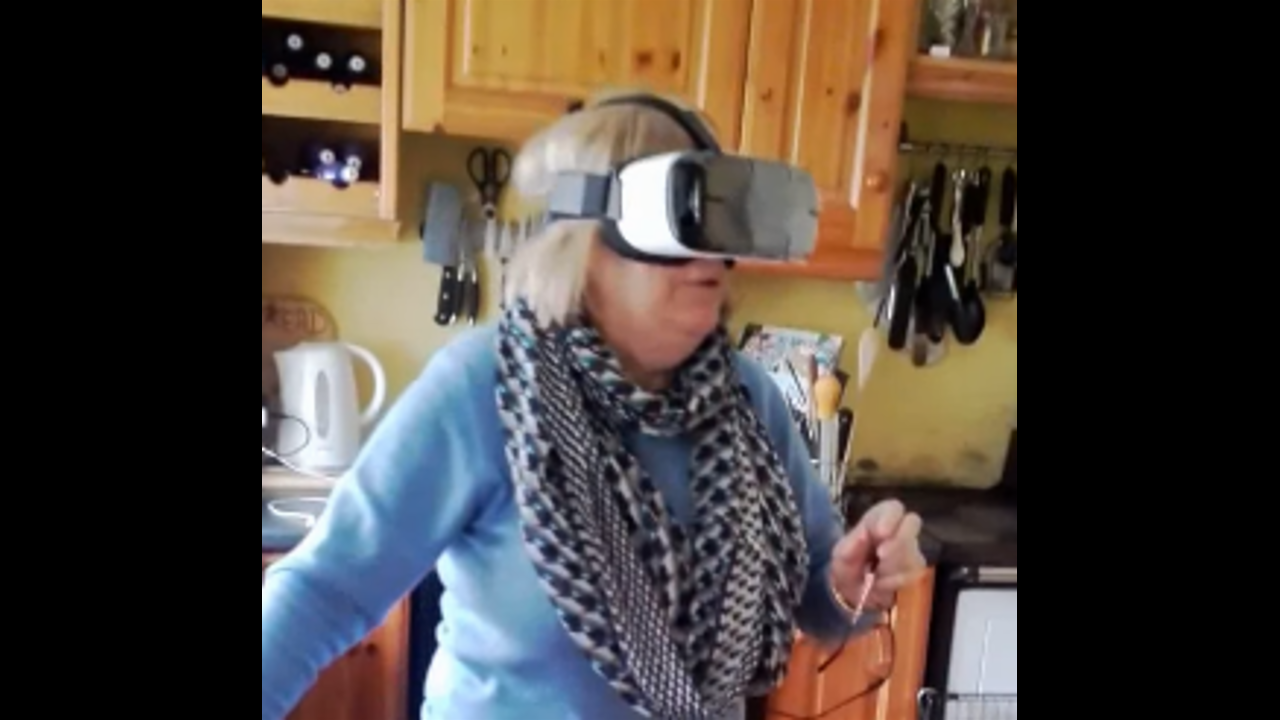 Hilarious Irish Mammy Tries Virtual Reality for the First Time