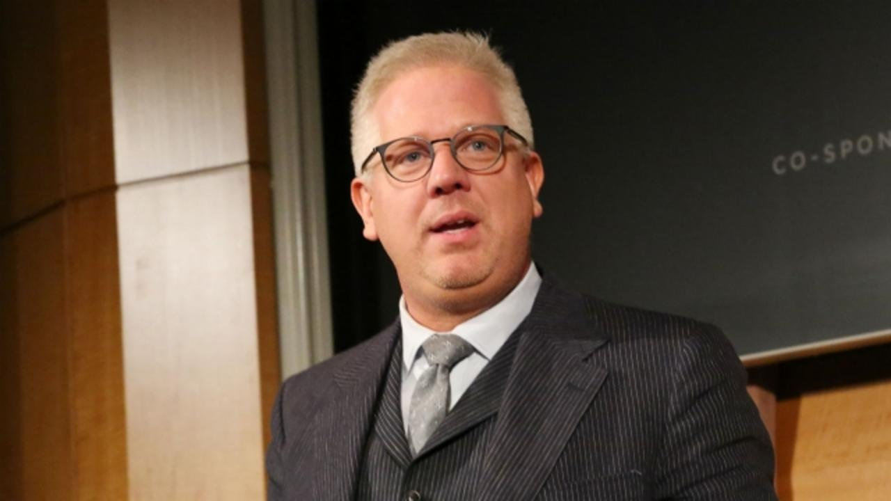 How Glenn Beck's Defamation Suit Could Damage Ted Cruz's Campaign