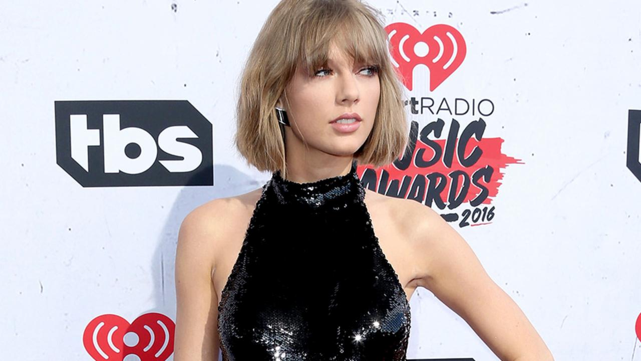Taylor Swift's Derrière Looks Suspiciously Larger at IHeartRadio Awards