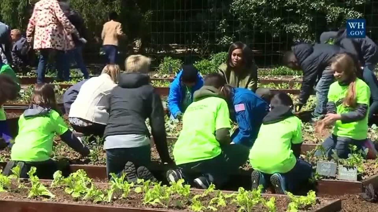 First lady, students plant White House garden