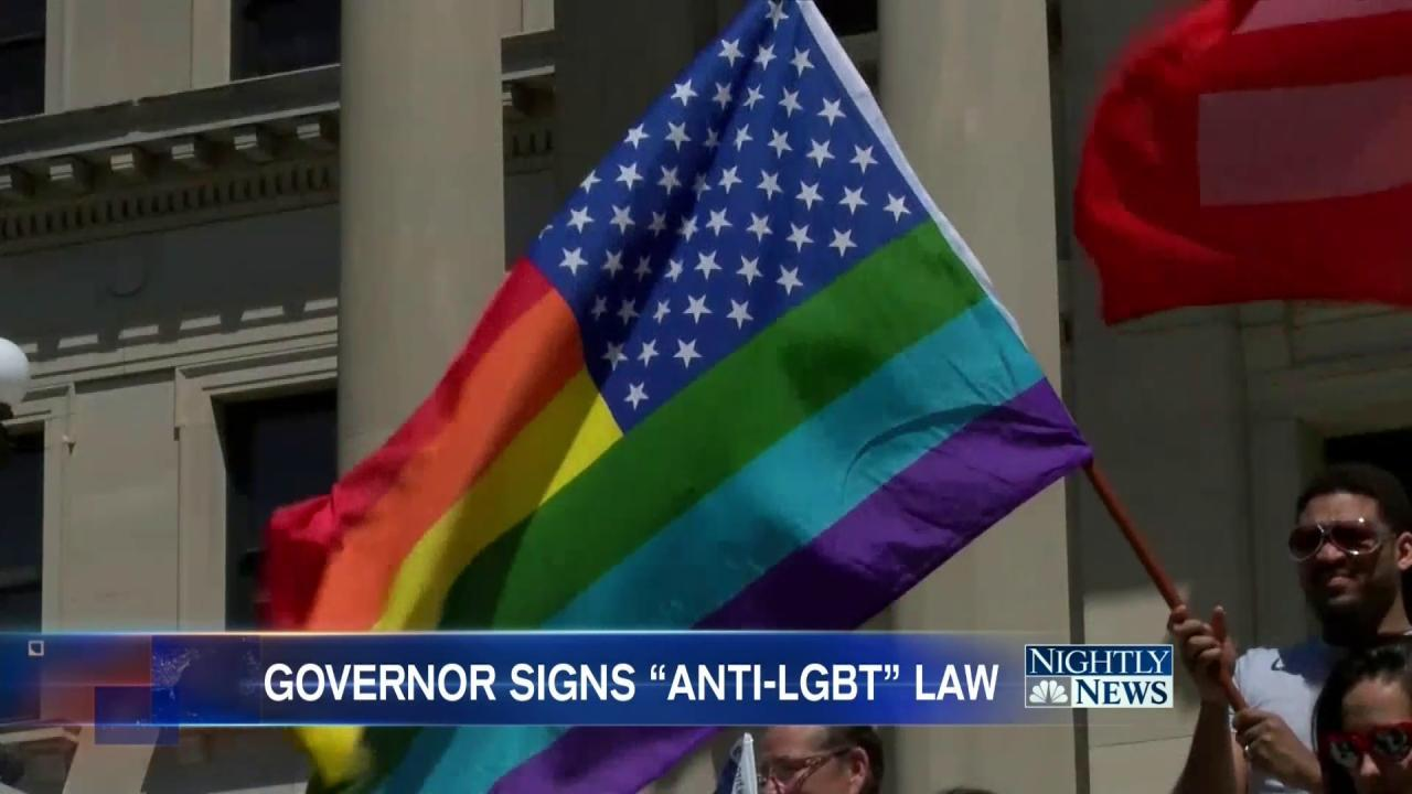 Mississippi Governor Signs Law Allowing Denial of Service to LGBT
