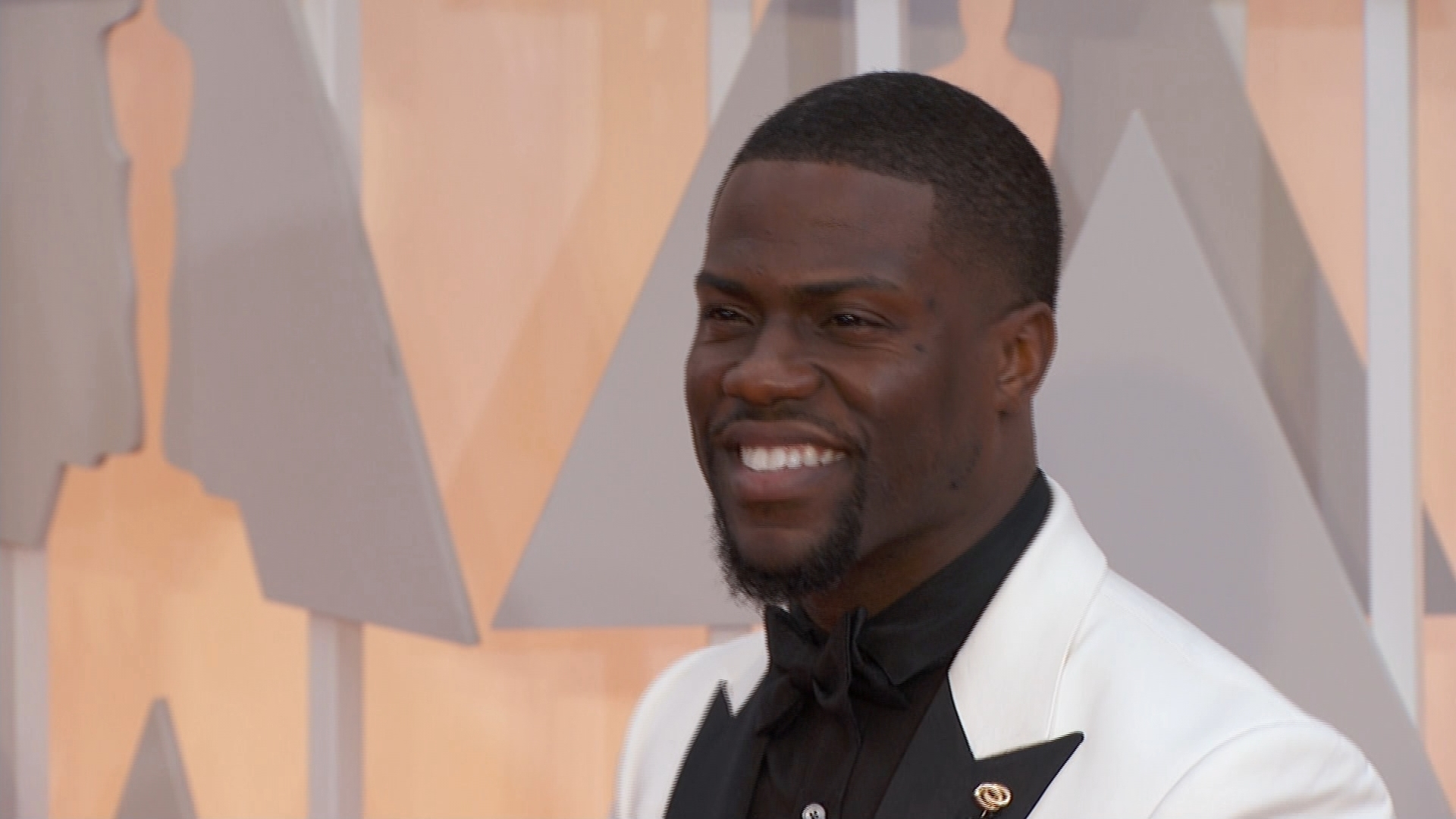 Kevin Hart Gets Mistaken for Chris Rock