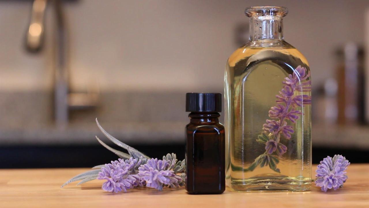 Five Reasons Lavender Oil is the Ultimate Travel Companion