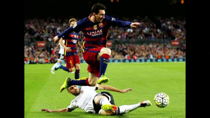 Barcelona's Messi nets his 500th career goal in Valencia loss