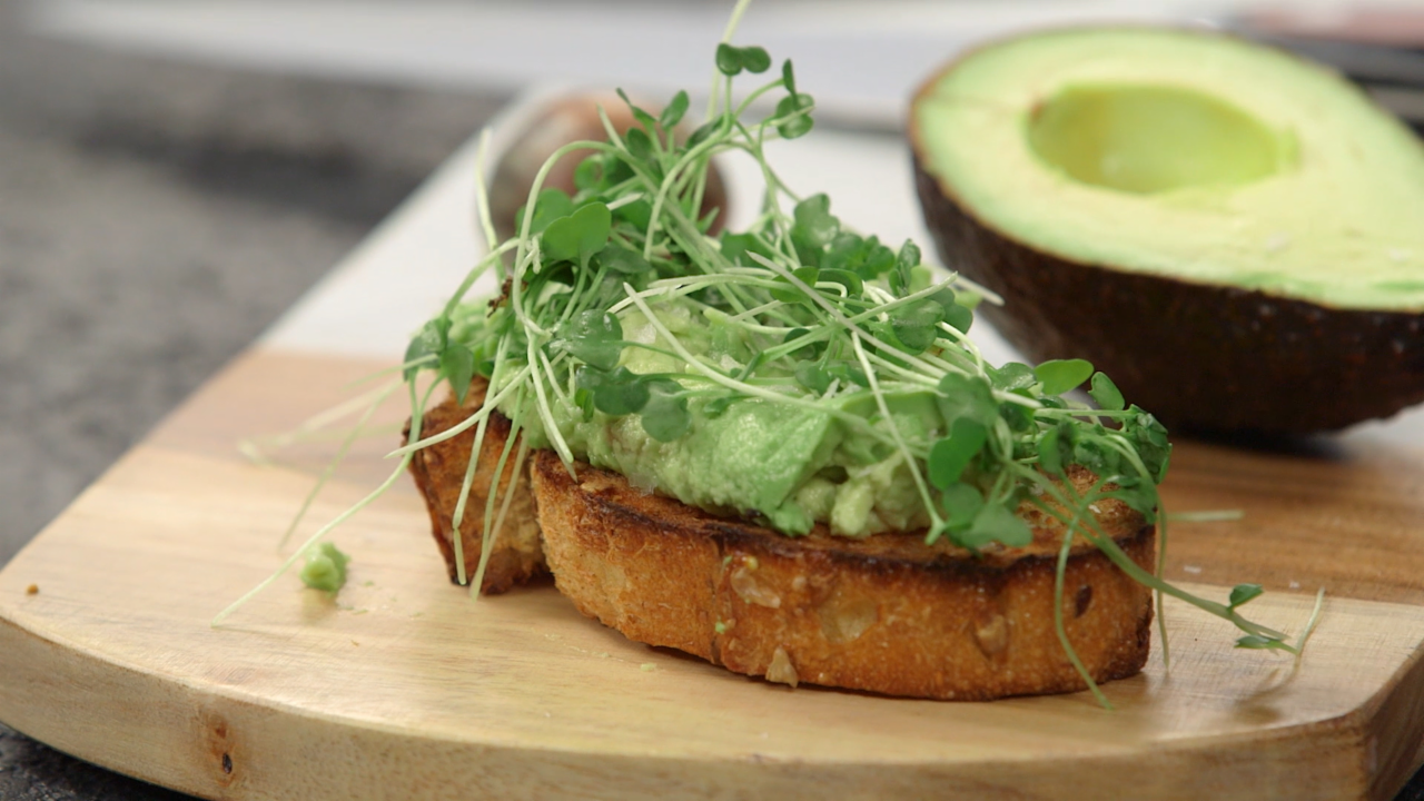 7 Ways to Eat an Avocado