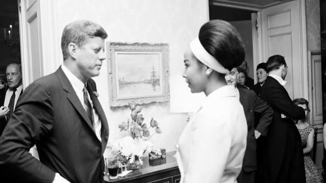 Marilyn Monroe's Famous Birthday Tribute To JFK Wasn't The Only One That Night