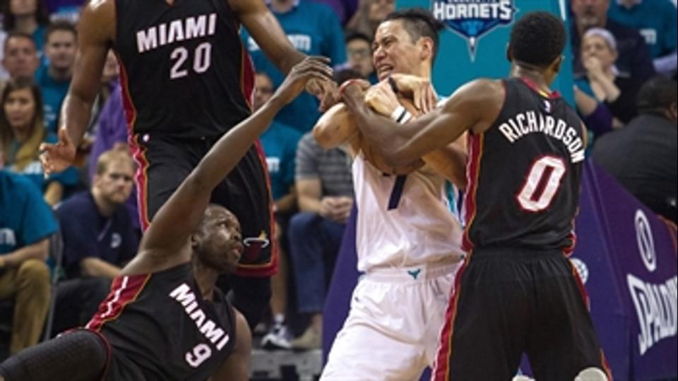 Lin: 'We fought so hard tonight,' as Hornets edge Heat to even series 2-2