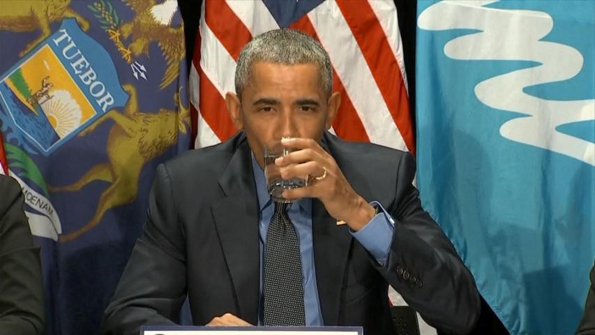 Obama takes sip of filtered Flint water