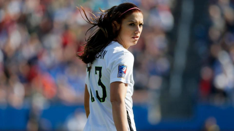 Alex Morgan addresses gender inequality, Zika virus