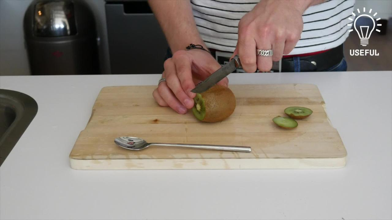 The quickest way to peel a kiwi