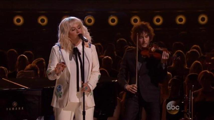 "Kesha Covers Bob Dylan's ""It Ain't Me"" with Ben Folds at the Billboard Music Awards"