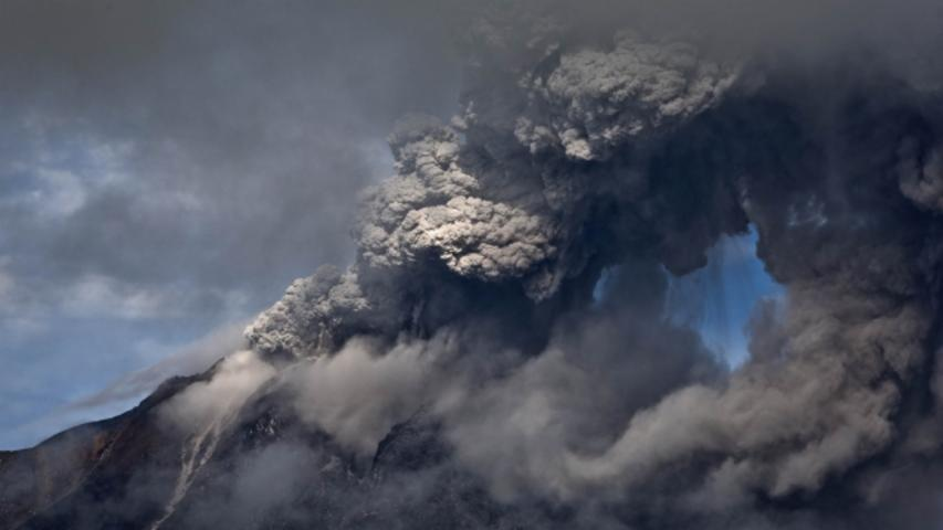 Volcanic Eruption in Indonesia Kills at Least 7