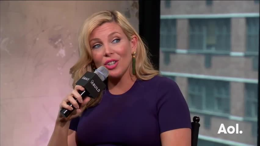 "June Diane Raphael And Brooklyn Decker On ""Grace And Frankie"""