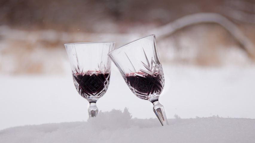 4 Ways to Quickly Chill Wine