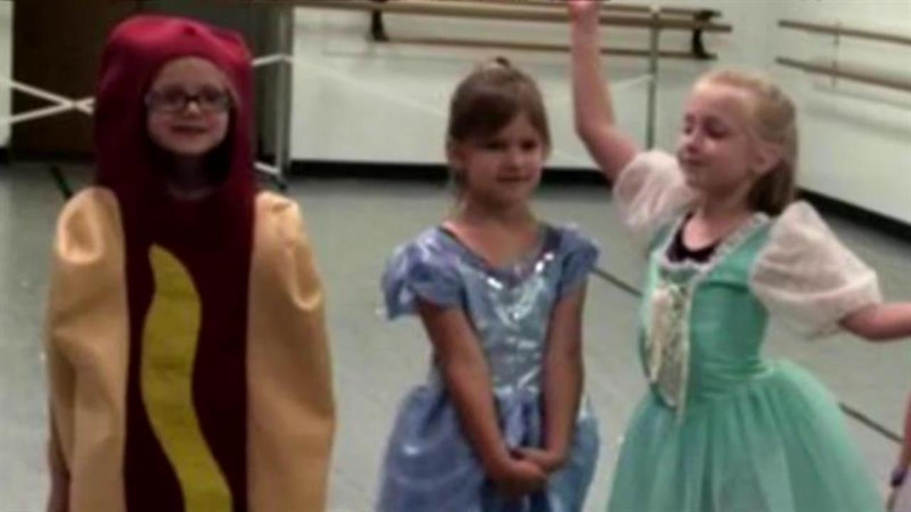5-year-old dresses up as a hot dog for princess costume party