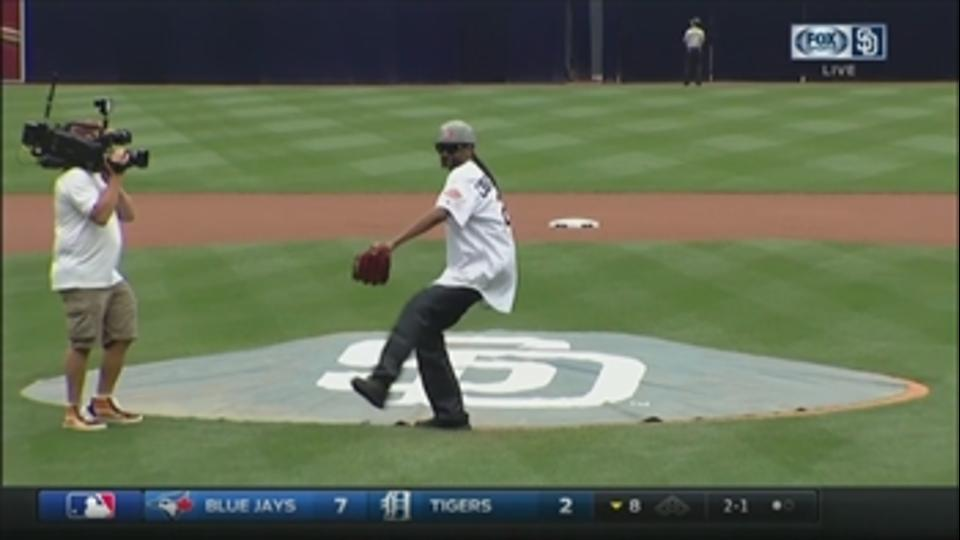 Watch Snoop Dogg throw a wild first pitch at Petco Park