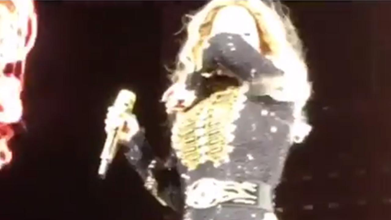 Beyonce SNEEZES During Concert & Everyone Flips Out
