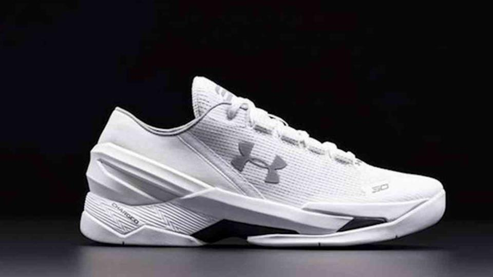 Steph Curry Defends New Shoes
