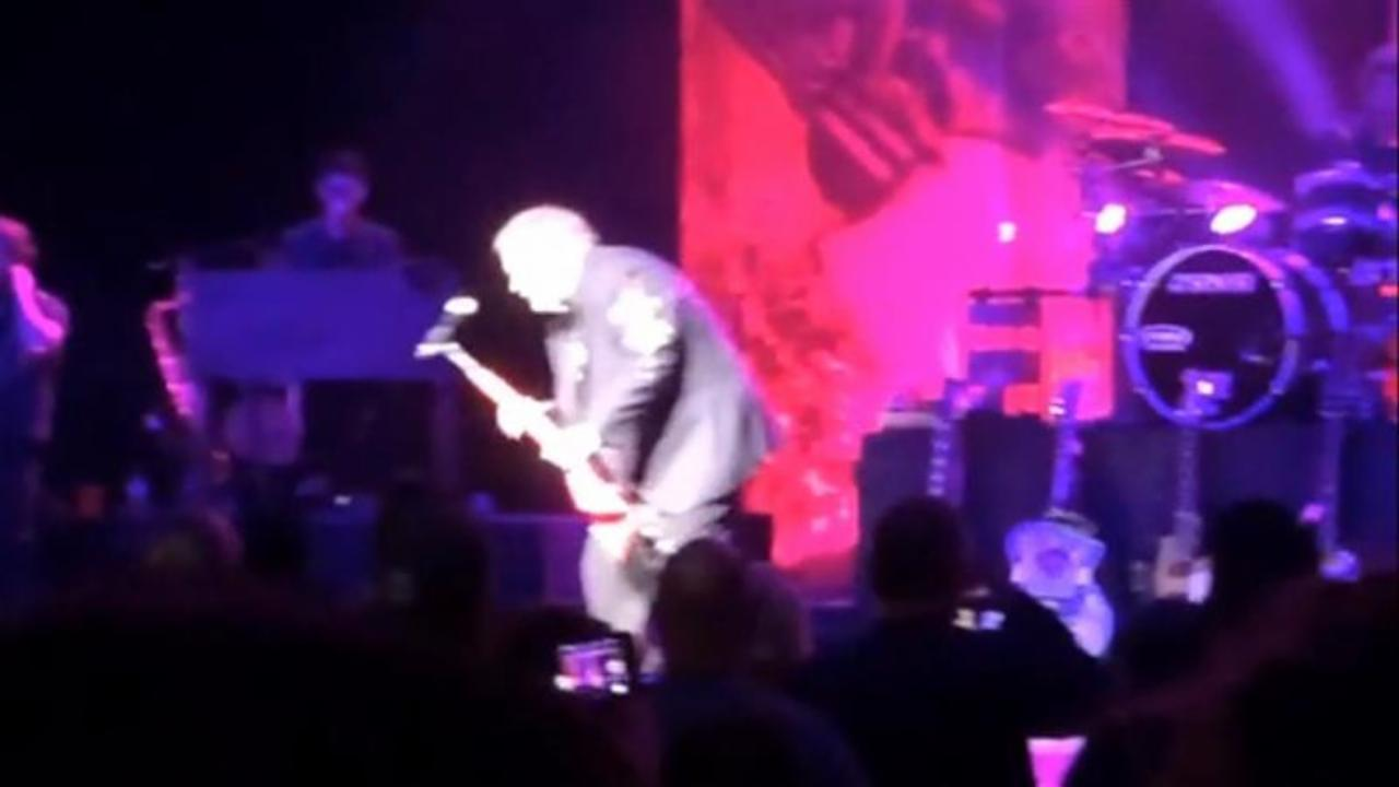 Meatloaf Collapses On Stage During Concert