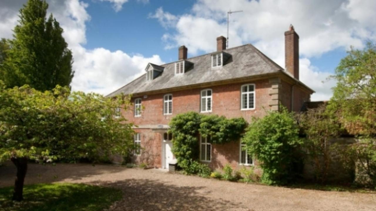 'Gone With the Wind' Star Vivien Leigh's English Manor Is for Sale